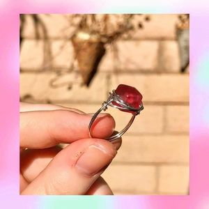 deep red cube ring❤️🔳